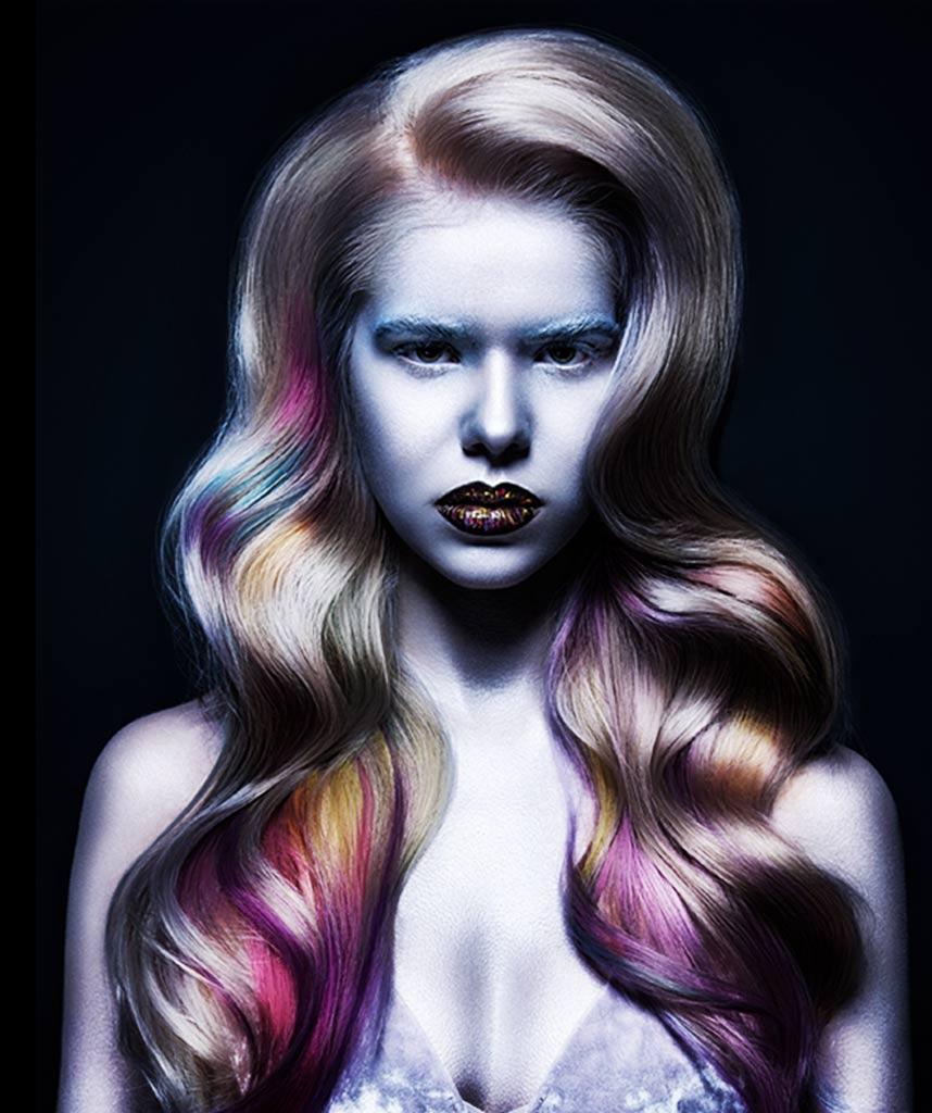 Yolo waar dames terecht kunnen voor de mooiste kleuren zoals neon, living coral, gebleekt of honing blond